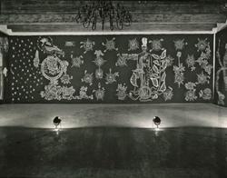 Le Chant du Monde exposé dans la grande salle du musée-château durant l'été 1963